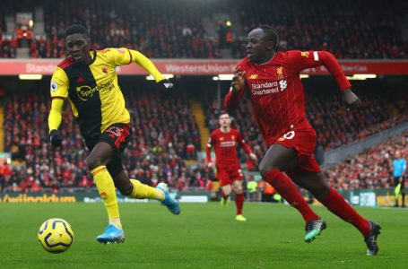 LIVERPOOL, ENGLAND – DECEMBER 14: Sadio Mane of Liverpool in action with Ismaila Sarr of Watford during the Premier League match between Liverpool FC and Watford FC at Anfield on December 14, 2019 in Liverpool, United Kingdom. (Photo by Chris Brunskill/Fantasista/Getty Images)