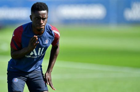 PARIS, FRANCE – AUGUST 04: Idrissa Gueye warms up during a Paris Saint-Germain training session at Ooredoo Center on August 04, 2020 in Paris, France. (Photo by Aurelien Meunier – PSG/PSG via Getty Images)